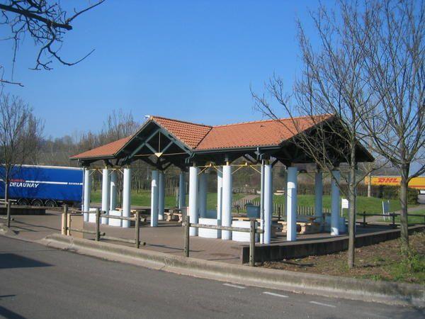 """<span style=""""FONT-SIZE: 8.5pt; COLOR: #003366; FONT-FAMILY: Verdana""""><font face=""""Times New Roman"""" color=""""#000000"""" size=""""3"""">Autour du Mont Blanc, de Saint Gervais les bains au Menuires.</font> <p><span style=""""FONT-SIZE: 8.5pt; COLOR: #003366; FONT-FAMILY: Verdana"""">Photos: &copy; <personname w:st=""""on"""" productid=""""Emmanuel CRIVAT""""></personname> Emmanuel CRIVAT 2007</span><span style=""""FONT-SIZE: 8.5pt; COLOR: #003366; FONT-FAMILY: Verdana""""><span style=""""FONT-SIZE: 8.5pt; COLOR: #003366; FONT-FAMILY"""