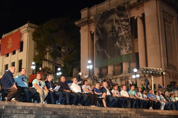 Deux ans après sa disparition, le peuple cubain rend hommage à Fidel Castro à la Havane