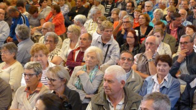 Contre la fermeture des Urgences. 400 personnes à la réunion publique