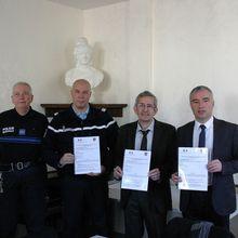 Castellane  : Signature du protocole « participation citoyenne »