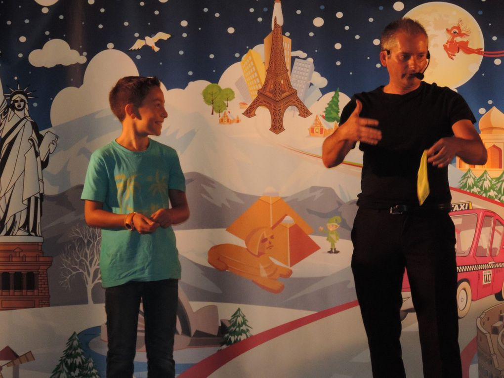 "Spectacle enfants du 4 novembre offert par l'association ""L'Etoile de Noël"""
