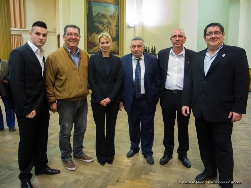 Arles: dernier meeting de campagne du premier tour
