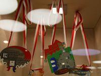 """Die gemeindliche Kulturreferentin Dr. Martina Edelmann hat hier in den letzten Tagen bis heute Schwerstarbeit geleistet, um hier das von ihr erstellte Konzept der Dauerausstellung """"Die Welt von Fastnacht in Franken"""" in die Tat umzusetzen und  die Faschingshochburg Veitshöchheim in hellem Glanz erstrahlen zu lassen."""