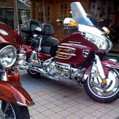 Honda GOLDWING GL1800 Steed VLX400 FLHTCU Harley‐Davidson