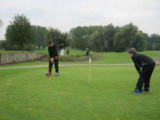 Quand les CM1 (classe externalisée O. Cléret) font du golf...