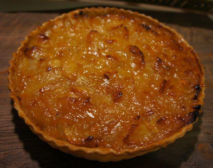 Tarte aux pommes traditionnelle moelleuse et fondante