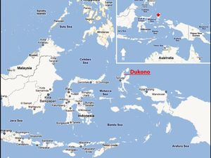 To the left, location of Dukono in the Moluccas archipelago - right, geological map of the island of Halmahera and his active volcanoes - a click to enlarge - Doc. GVP
