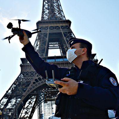 France. Covid-19 : Le Conseil d'Etat interdit la surveillance policière par drone.