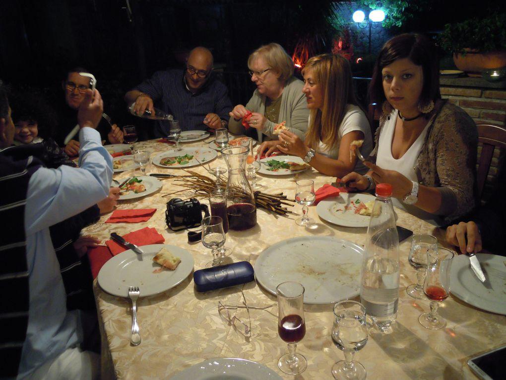 Incontro serale e cena a base di giro-pizza accompagnata da ottimo vinello e dolcini distrettuali.