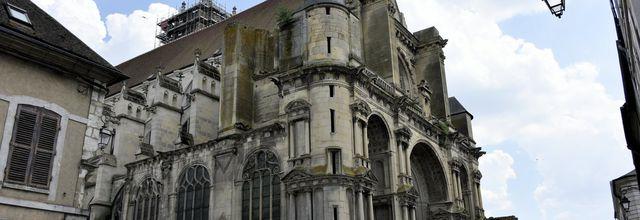 Quelques photos de l'église de Villeneuve-sur-Yonne.89