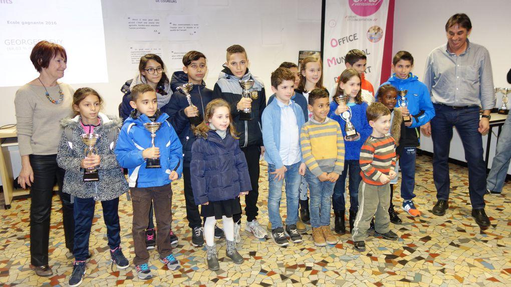 Les enfants des écoles publiques de Vénissieux ont été récompensés pour leur participation à la 37e Foulée des scolaires