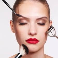 Le maquillage en cinq minute chrono