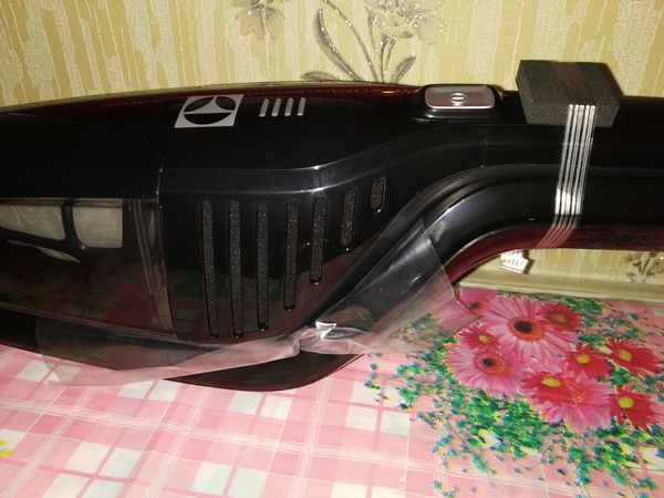 unboxing aspirateur balai sans fil 2-en-1 Electrolux Ergorapido Classic @ Tests et Bons Plans