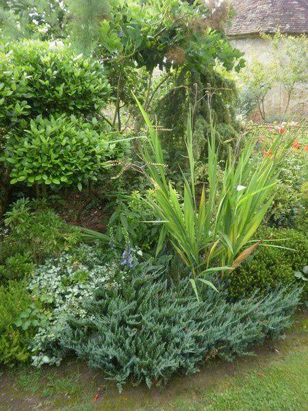 un jardin  dans la sarthe ,une richesse et un accueil d'une gentillesse et bonne humeur extraordinaire