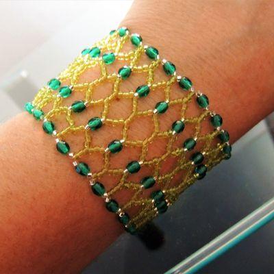 fiches explicative: bracelet de perles Néfertiti