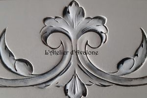 Moulures décoratives So Chic !!! Embellir une porte en un tour de mains !