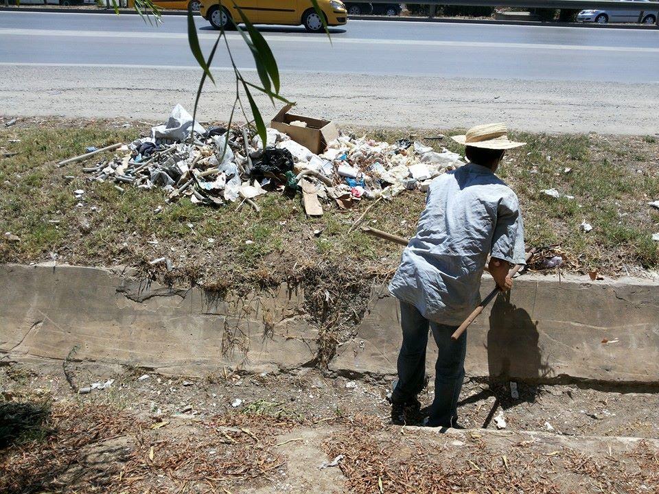 L'entretien des canaux d'évacuation des eaux pluviales avec l'aide de la municipalité