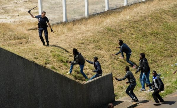 INVASION DE L'EUROPE : IL FAUT DEMANDER DES COMPTES À LA GRANDE-BRETAGNE !