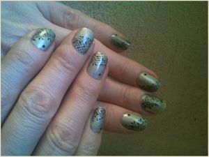 Nail art Dentelle à l'aquarelle sur ongles courts....