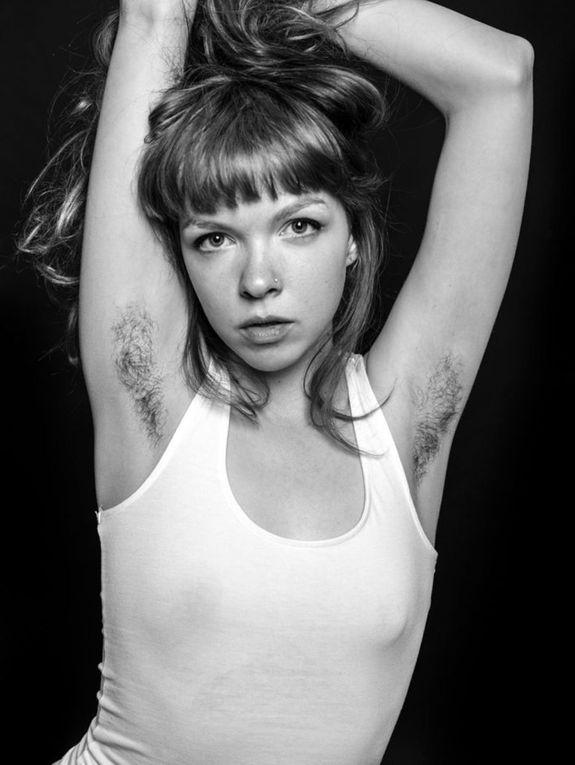 Art photos. Angleterre. Londre. Les femmes à (poil) 0u (au poil ! ! ) Par Ben Hopper.