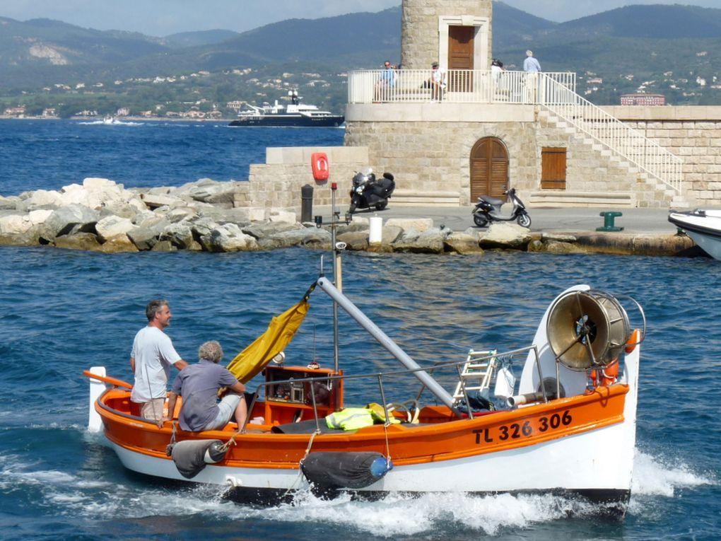 LE POURQUOI PAS , TL 326306 entrant dans le port de Saint Tropez le 29 juillet 2017