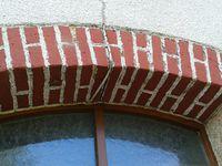 Meilleure mine ont ces briques, qui retrouve leur authenticité et apporte un cachet  à cette maison....