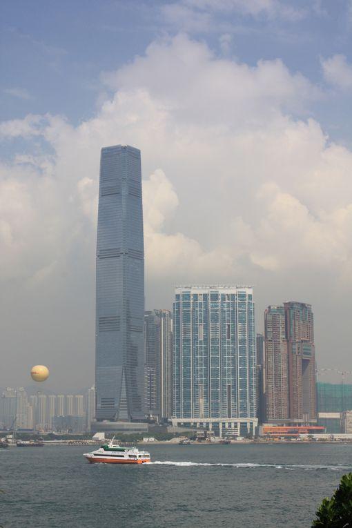 Hong Kong littéralement: «port aux parfums», Région administrative spéciale de Hong Kong de la République populaire de Chine, est  la plus peuplée des deux régions administratives spéciales, l'autre étant Macao. Photos: CRIVAT 2011
