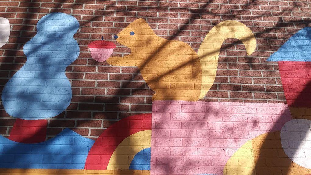 """À l'été 2020, Marc-Olivier Lamothe a proposé le """"Parcours de la joie"""", constitué de 5 murales réparties dans les arrondissements de Villeray et du Plateau-Mont-Royal. Voici les 5 à la suite."""
