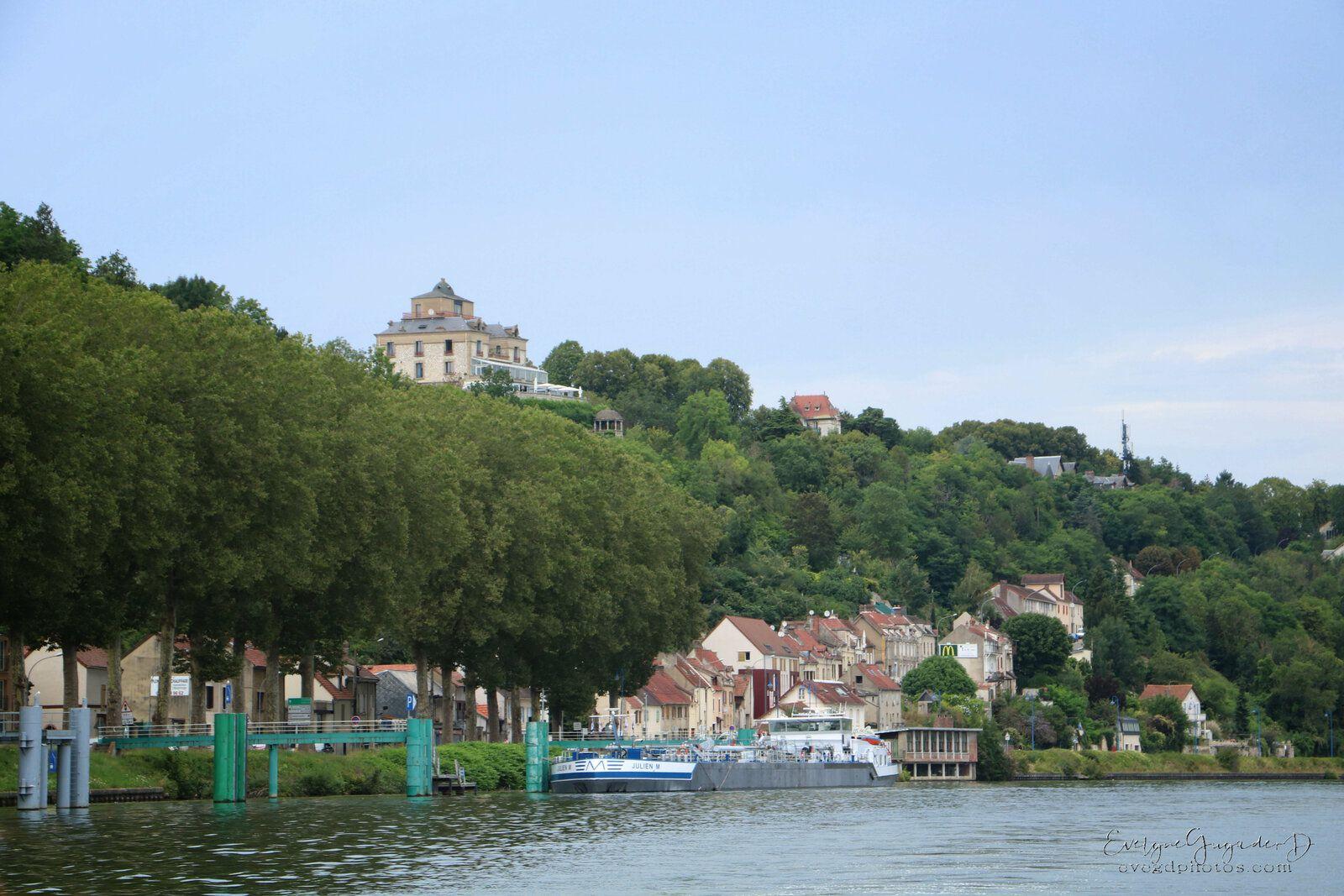 Un samedi, sur la Seine...