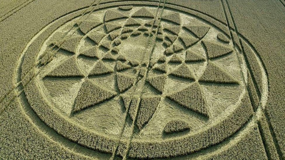 images de mimipalitaf ()sauf le crop-circle