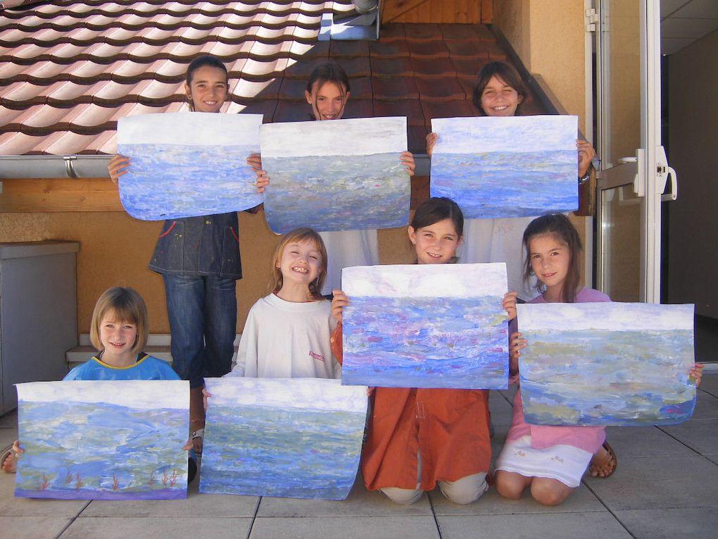 Le ciel et la mer, les bleus et les verts, peindre par petites touches à la manière des peintres impressionnistes.