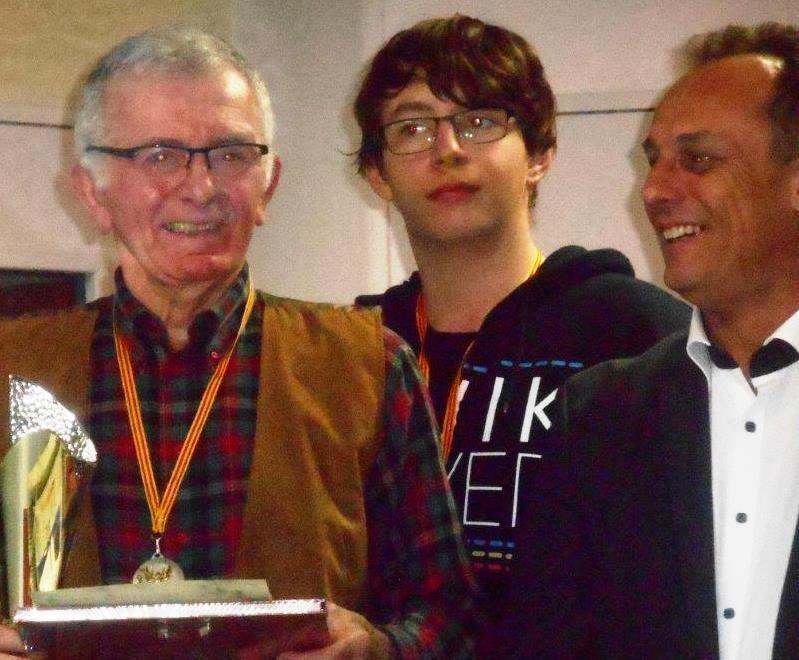 Après le spectacle, remise des prix aux nouvellistes : Claude Jégo d'Orange, Michel Isard de Marseille et Joëlle Solari de Meyreuil (Grand Prix) triomphent