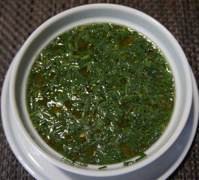 suggestion de présentation de la sauce à l'ail mauricienne