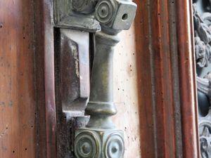 Quelques-uns des marteaux de porte