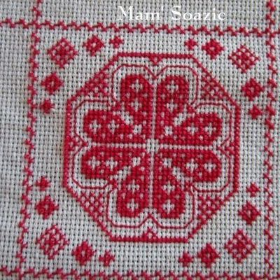SAL : Plaid Broderie Rouge... Grille 76 / H8