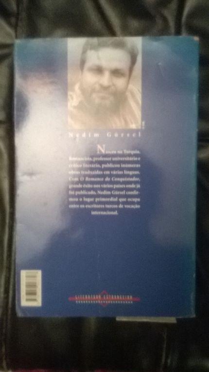 Livre publié au Portugal