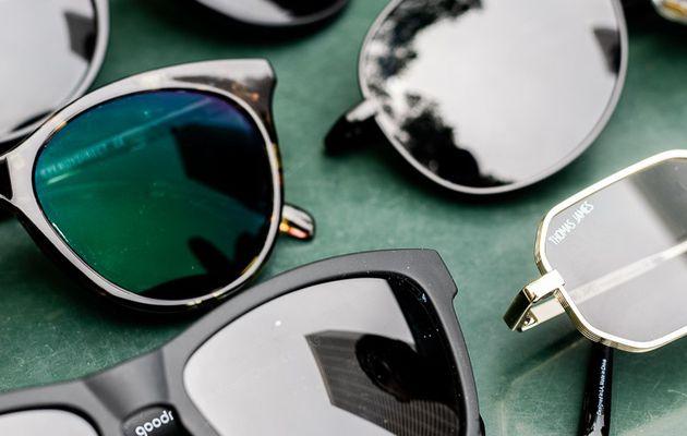 Saviez-vous que les lunettes et les lunettes de soleil bon marché et chères sont fabriquées par la même entreprise?