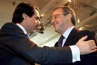 """El Gobierno congelará el salario de los funcionarios por quinto año - a cambio seguimos soportando sobre nuestros hombros a los tres millones doscientos mil """"quietos"""" - Florentino Perez sigue haciendo de las suyas -- """"Pelotazos florentino""""-""""Desde el palco siempre atino"""""""