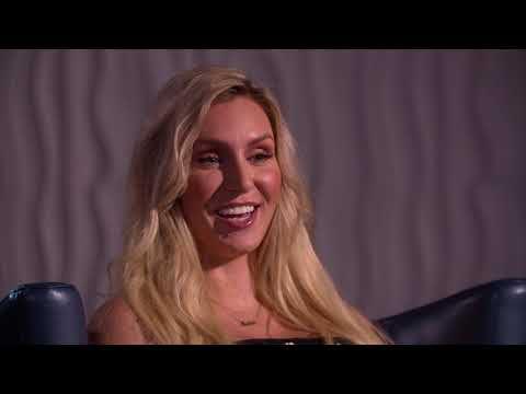 ACTUALITE : WWE 2K19 -  Ric et Charlotte Flair reviennent sur des souvenirs marquants inspirés par l'édition WWE 2K19 Wooooo