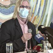 """Le controversé professeur Didier Raoult favorable à la """"vaccination systématique"""" des soignants"""