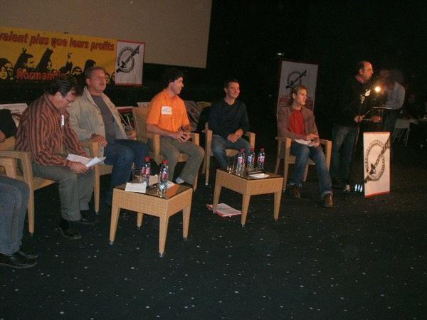 Immense succès: 530 personnes enthousiastes, une réussite des comités NPA de l'Eure