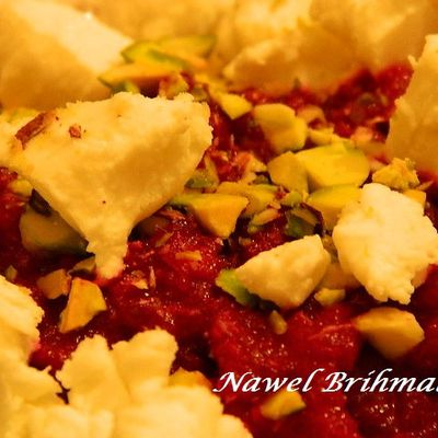 Beet dip with fresh goat cheese and pistachios/Dip de betteraves...