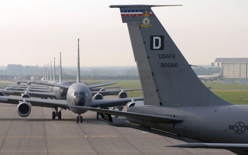 Trois ravitailleurs KC-135 de l'US Air Force ont été déployés sur la base aérienne d'Istres