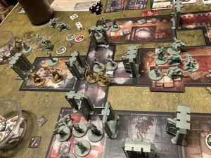 Heureusement nous avons pris Brick, une de ses cartes majeurs permet de bloquer l'entrée de la zone aux ennemis tout en augmentant sa défense...YOU SHALL NOT PASS !