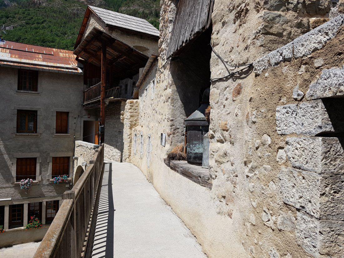 """""""Village de caractère"""" de montagne, des Alpes de Haute Provence"""