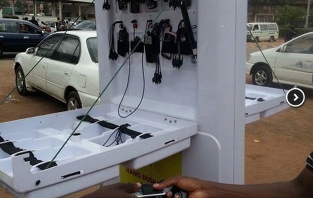 Ared, des kiosques mobiles pour connecter la po...
