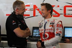 Jenson Button demande à McLaren de lever son option pour 2012