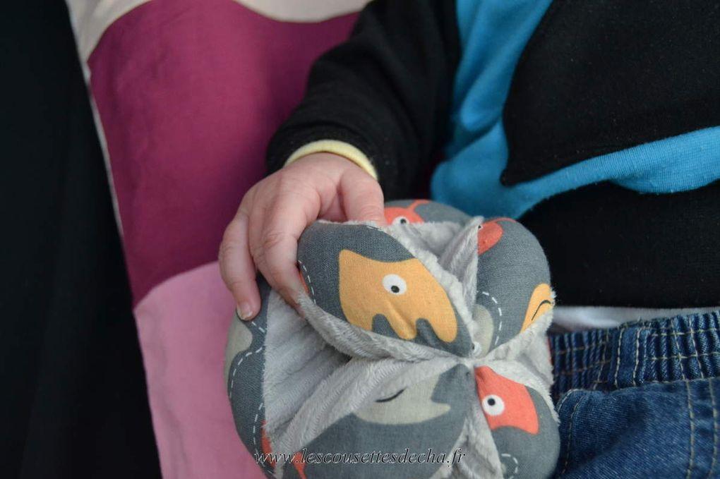 Balle de préhension Montessori