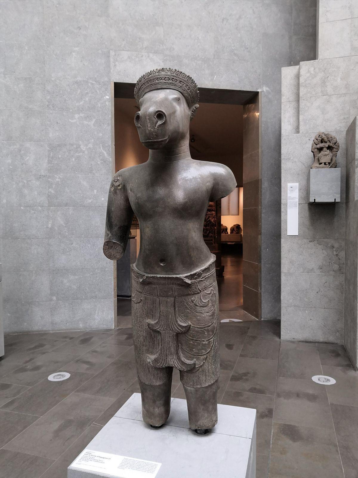 Vishnu sous la forme d'Hayagriva (?), Sambor Prei Kuk (province de Kompong Thom), Style de Pre Rup, troisième quart du 10e siècle, Grès
