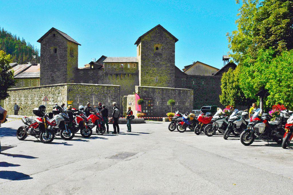 Colmars les Alpes, rendez vous des Ducati